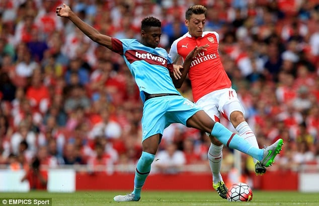 Reece-Oxford-vs-ozil
